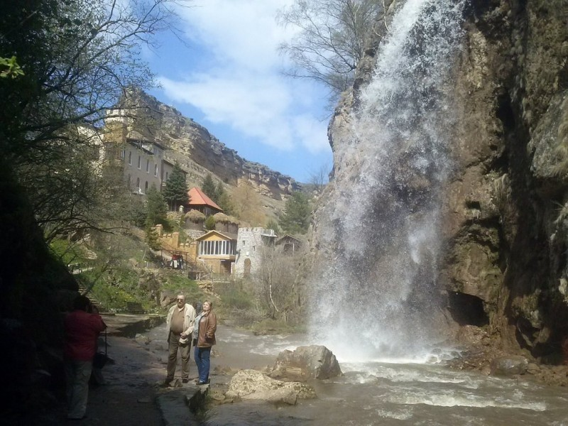 рекламные материалы медовые водопады экскурсия из пятигорска одеть термобелье, поверх