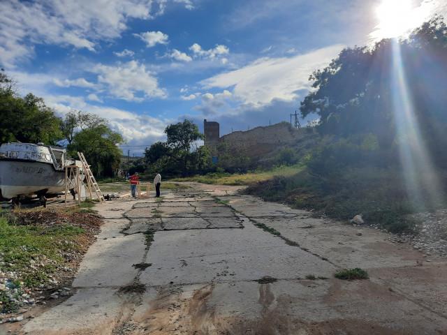 Рядом с Крепостью в феодосии