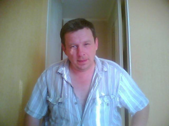 Сергей, Россия, Санкт-Петербург, 50 лет. .Отдамся в хорошие женские руки. В еде неприхотлив, налево отгулял, к туалету приучен, зарплату домо