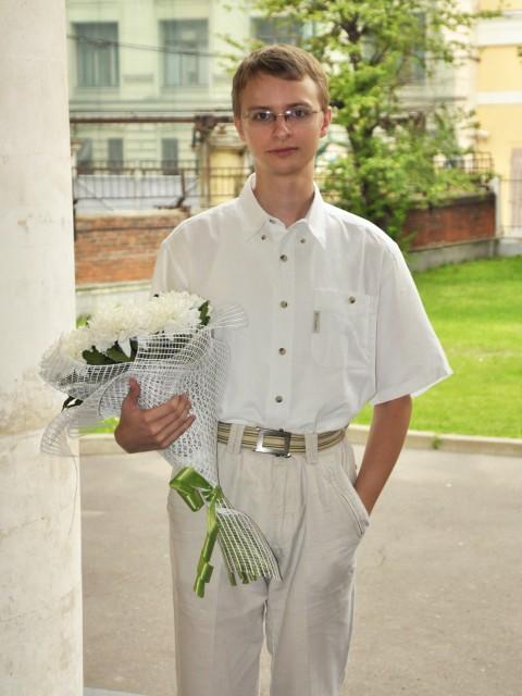 Андрей, Москва, м. Крылатское, 30 лет, 2 ребенка. Хочу найти Для начала человека честного и доверяющего тому с кем собирается провести остаток своей жизни.