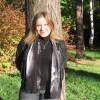 Надя, Россия, МО, 31 год. Она выйдет на тёмный балкон, она молча посмотрит вниз. И, стряхнув черно-белый сон, она встанет на с