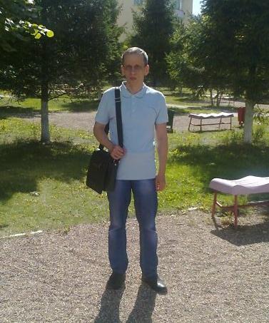 Евгений, Россия, Москва, 50 лет. Очень бы хотелось длительных отношений, своих детей. Проблем материальных и прочих нет.