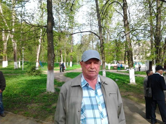 виктор, Россия, Дорогобуж, 72 года