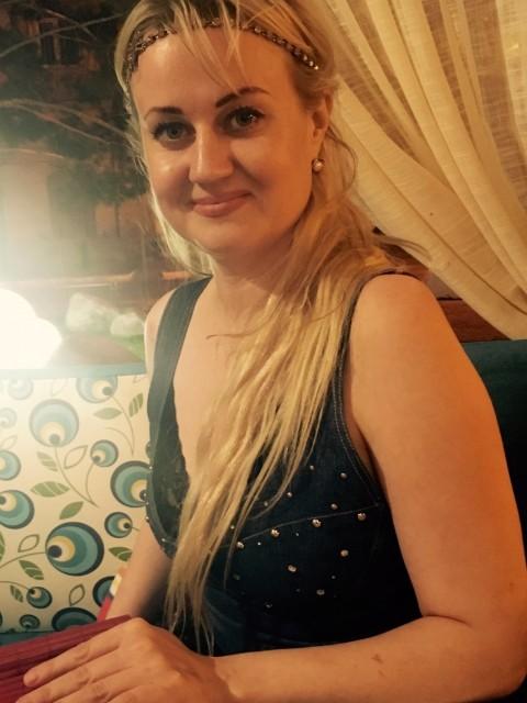 Ольга, Россия, Астрахань, 33 года. Хочу найти Мужчину выше среднего роста,  порядочного для создания крепкой и надежной семьи.