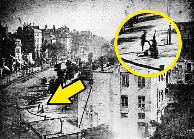 17 исторический фотографий.