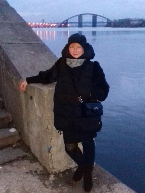 Светлана, Украина, Киев, 47 лет. Хочу найти С одиноким мужчиной. Или мужчиной, который воспитывает ребенка сам, без в/п, не склонного к полнот