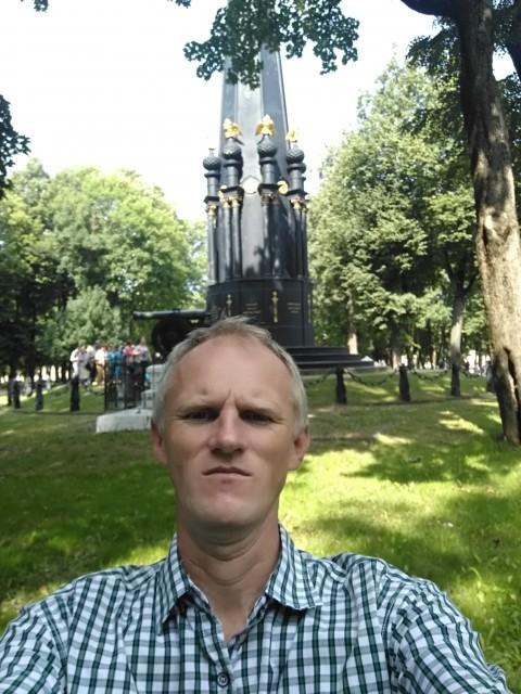 Константин Алтунин, Россия, Усть-Лабинск, 44 года