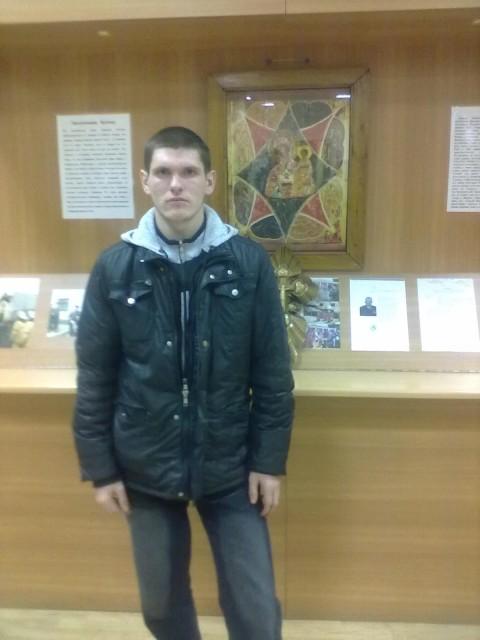 Гена, Россия, Кораблино, 27 лет