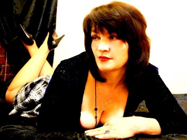 Диана, Россия, Санкт-Петербург, 40 лет. Хочу встретить мужчину.. О себе сложно написать, все познаётся в общении..)