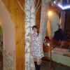 Стоит девченка,стоит в сторонке)))