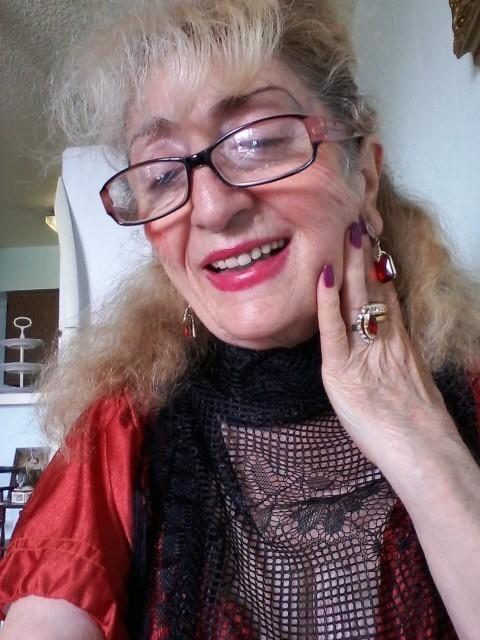 Inna, США, Нью-Йорк, 63 года