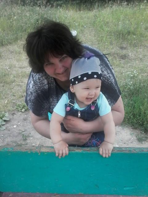 татьяна, Россия, Раменское, 41 год, 1 ребенок. У меня взрослая дочь(замужем).познакомлюсь с мужчиной  от 45 до58. Для серьёзных отношений.