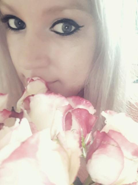 Cattt, Россия, Москва, 36 лет, 2 ребенка. Хочу найти Никого не ищу))    Кому-то в женщине важнее красота,  Другим угодна только доброта... Чтоб иск