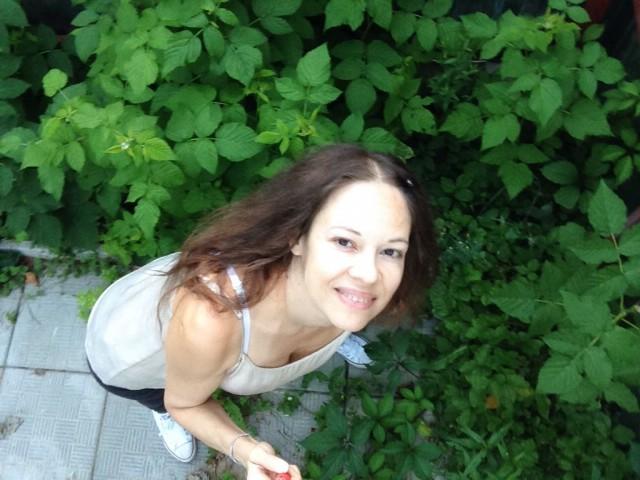 Людмила, Россия, Москва, 35 лет, 1 ребенок. Хочу найти Твоё отражение во мне. Моего человека, друга, партнера, человека со схожими интересами и взглядами.