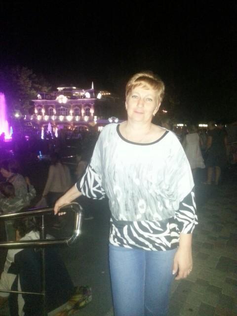 Лариса, Россия, Краснодар, 51 год, 1 ребенок. Хочу найти Настоящего мужчину, который знает как ухаживать за женщиной. И, конечно, спутника жизни.
