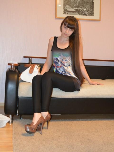Дарина, Россия, Дятьково, 22 года. Скромная, спокойная, не пью, не курю, люблю детей