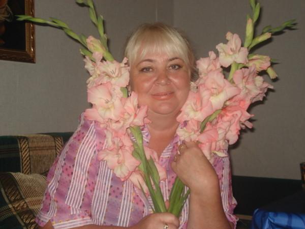 Людмила Елькина, Россия, Южно-Сахалинск, 57 лет. Познакомится с мужчиной