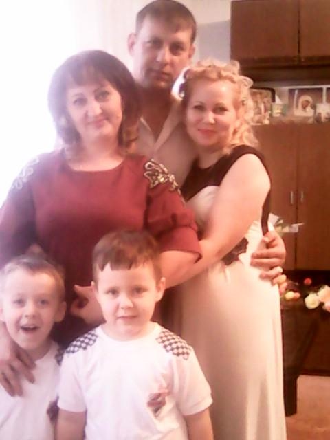 Наталия, Россия, Москва, 43 года, 2 ребенка. Женщина с 2 мальчиками близнецами ищет настоящего, доброго, симпатичного мужчину и папу.
