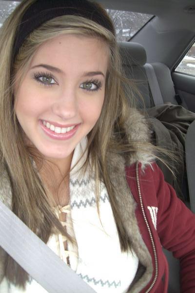 Катя Ёдоль, Казахстан, Усть-Каменогорск, 26 лет. Познакомиться с женщиной из Усть-Каменогорска