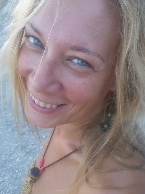 Диана, Россия, Абинск, 39 лет, 1 ребенок. Я из Санкт-Петербурга, живу на даче в Краснодарском крае. Люблю природу))