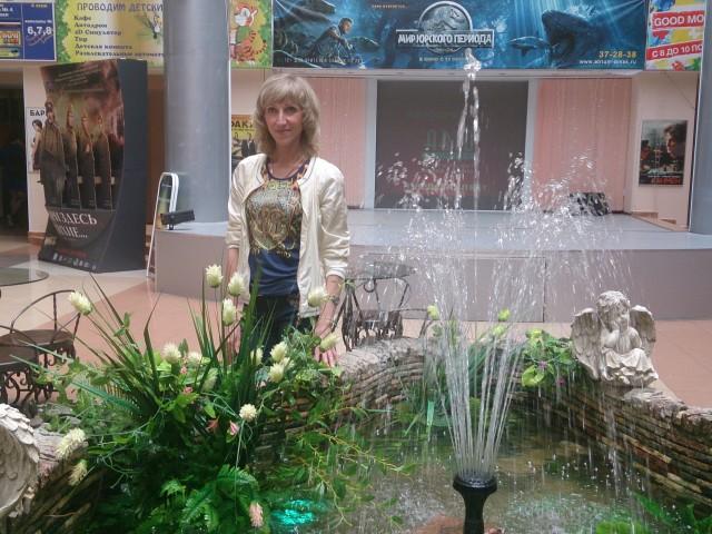 Оксана, Россия, Омск, 37 лет, 1 ребенок. Порядочная молодая женщина 37 лет, без в/ п  ищу настоящего мужчину. Имею доченьку, живем вместе.