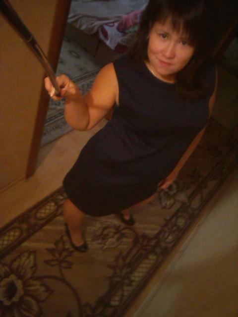 юлия, Россия, Новокузнецк, 20 лет, 1 ребенок. Хочу найти молодого, порядочного парня.
