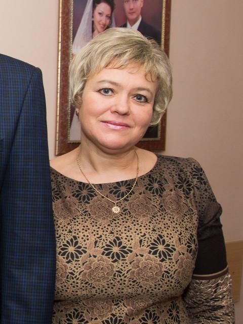 Валентина, Украина, Киев, 50 лет, 1 ребенок. Хочу найти Мужчину с которым можно и по душам поговорить и посмеяться ..Чувство юмора обязательно !!