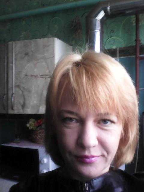 Вера, Россия, Тихорецк, 40 лет. Люблю спорт, музыку, животных.