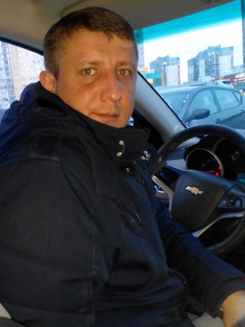 Олег, Россия, Санкт-Петербург, 32 года. Хочу найти Девушку для общения