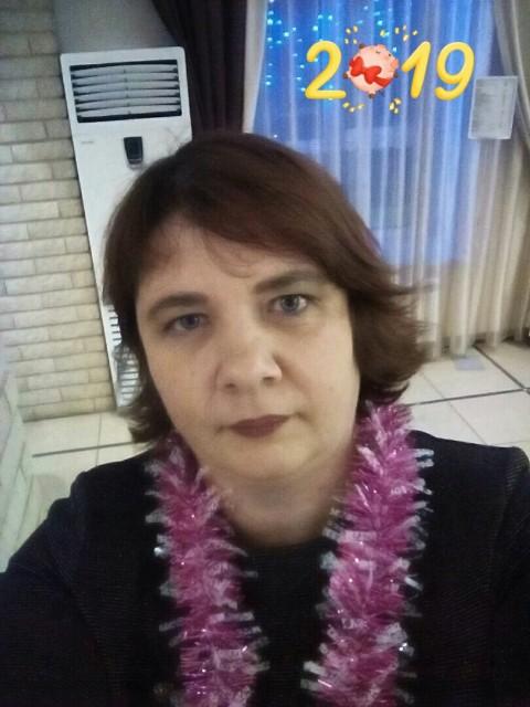 Ольга, Россия, Киров, 44 года. Она ищет его: Хочу встретить человека, с которым было бы уютно и приятно проводить время. Того, с кем я могла бы с