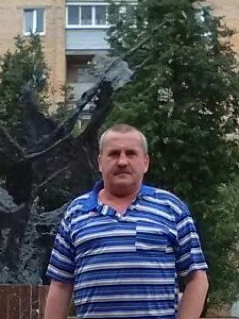 сергей, Россия, Москва, 56 лет, 3 ребенка. Хочу найти найти  спутницу с которой будет  приятно и спокойно идти по жизни ( в своем возрасте  я надеюсь и ве
