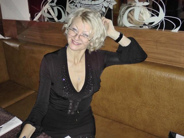 Лина, Россия, Санкт-Петербург, 49 лет. Хочу найти Мужчину, чтоб на руках носил!!!