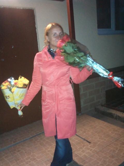 Мария, Россия, Санкт-Петербург, 42 года, 3 ребенка. Женщина со все еще ждущим и полным любви сердцем. Говорят, что красивая). Что еще... многое могу по