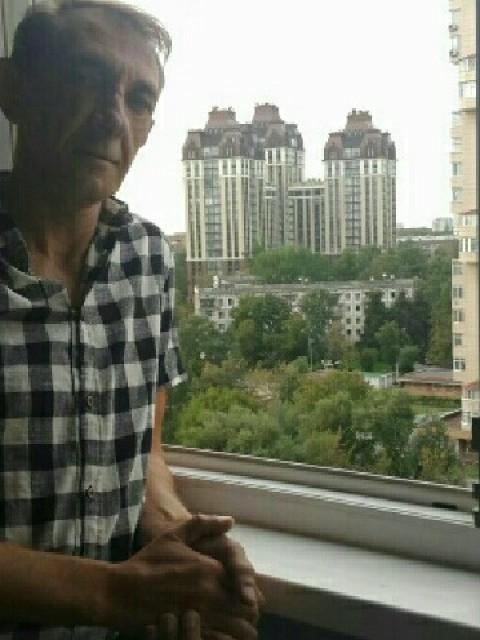 Сергей, Россия, Москва, 46 лет, 1 ребенок. 46. В разводе . сын взрослый. живём вместе.