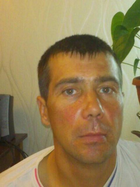 Мужчина ищет мужчину новосибирск знакомство