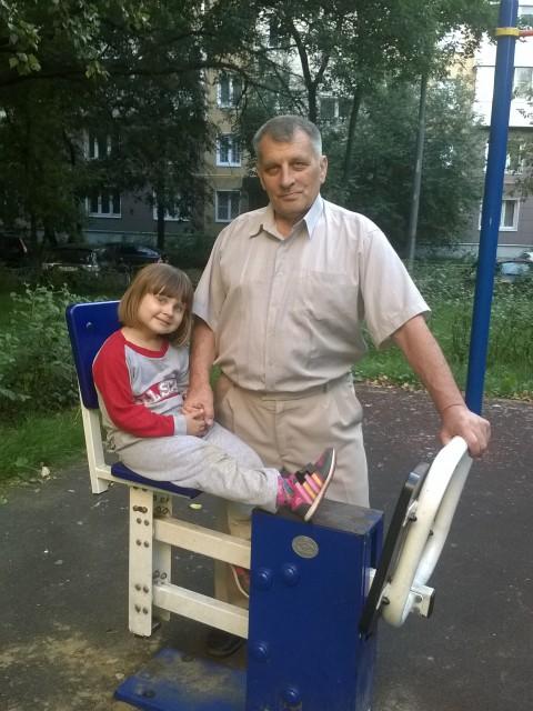 Игорь, Россия, Москва, 61 год. Ищу женщину для серьезных отношений. Воспитываю двоих детей ( дочь 5 лет и сын  11 лет). Вдовец, же