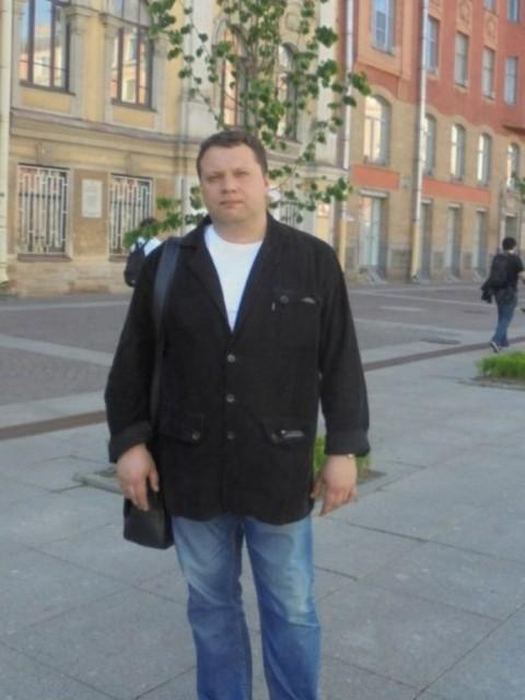 Александр, Россия, Санкт-Петербург, 44 года. Спокоен. порядочен, петербуржец.