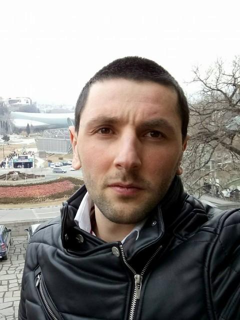 irakli, Грузия, Батуми, 24 года. Хочу найти женщину который поймёт меня, возраст и дети не имеет значения, главная человек был хороший.
