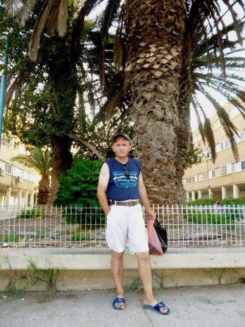 вадим, Израиль, Арад, 55 лет. Хочу найти простую  женщину.не  еврейского  вероисповедания. худенькую.хорошую  хозяйку.рост  чем  меньше  моег