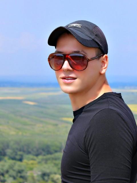 олег иванов, Россия, Нижний Новгород, 32 года. Хочу найти Доброго, понимающева .
