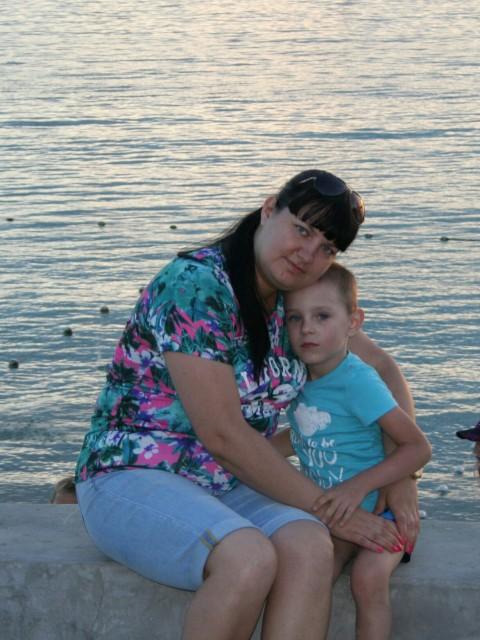 Татьяна, Россия, Ростов-на-Дону, 34 года, 1 ребенок. Хочу найти Ищу мужчину, который готов к созданию дружной, крепкой семьи. Быть верным и любящим, отцом и мужем.