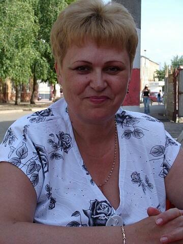 Галина, Россия, Димитровград, 60 лет, 2 ребенка. Очень одинока ищу себе свою половинку. Разведена. С детьми живу раздельно. Мне 56 лет. 166/ 95 крупн