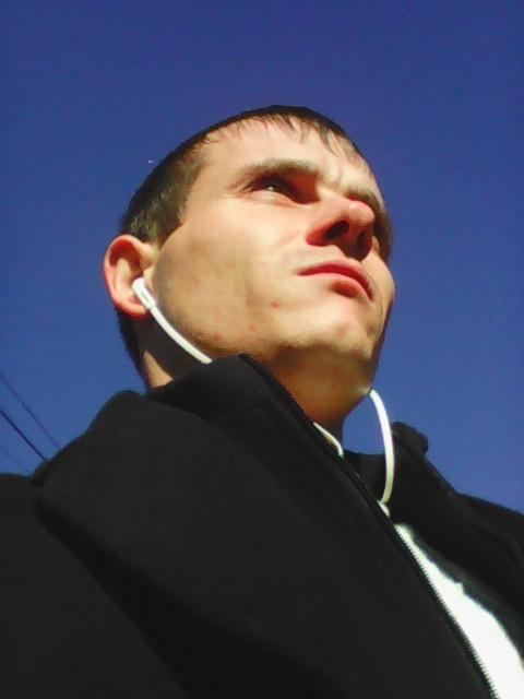 Вячеслав Широков, Украина, Гадяч, 31 год. Хочу найти Ту, у которой размер безымянного пальца 16.5 ))))