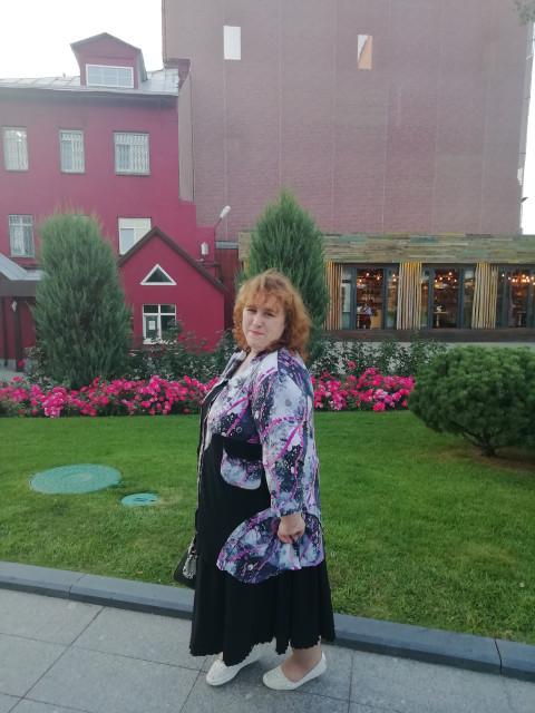 Наташа, Россия, Москва, 42 года. Хочу найти Ответственного, доброго, честного, заботливого, порядочного, внимательного, позитивного  и веселого.