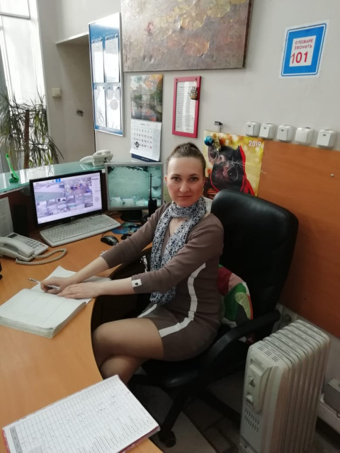 юлия, Россия, Москва, 29 лет. Хочу найти Надёжного, сильного, знающего, что хочет по жизни, крепкое плечо, доброго, верного.