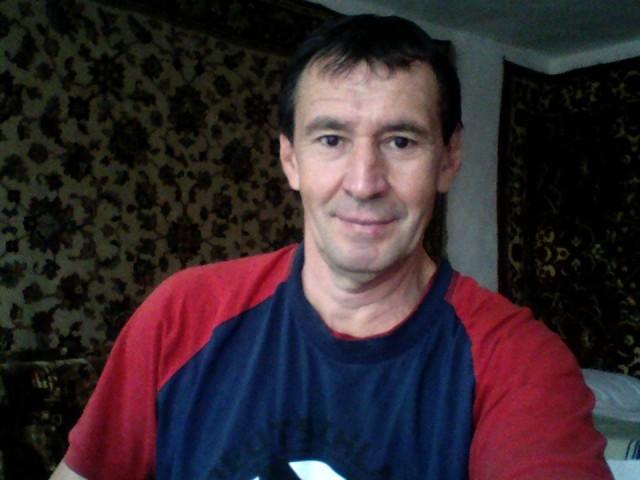 рафаэль семенеев, Россия, г. Шебекино (Шебекинский район), 57 лет. Хочу найти без вредных привычек и не пьющию