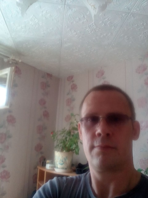 Александр, Россия, Пермь, 37 лет, 3 ребенка. Разведён дети живут с матерью плочу алименты