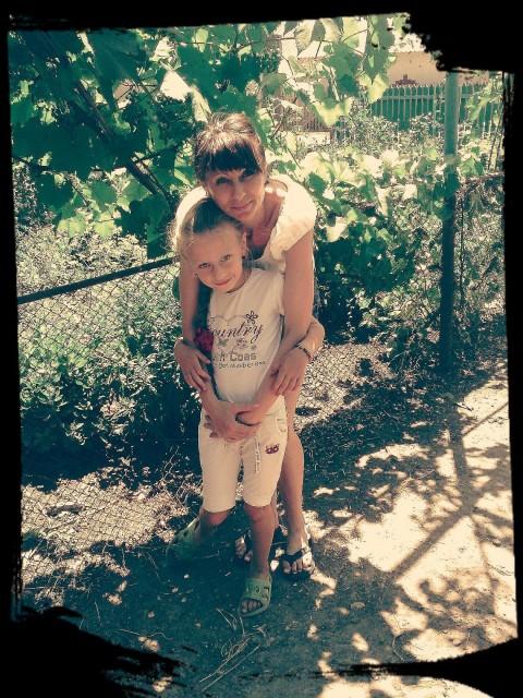 светлана, Молдавия, Бельцы, 33 года, 2 ребенка. Хочу найти хочу познакомиться с добрым и любящим детей мужчиной.