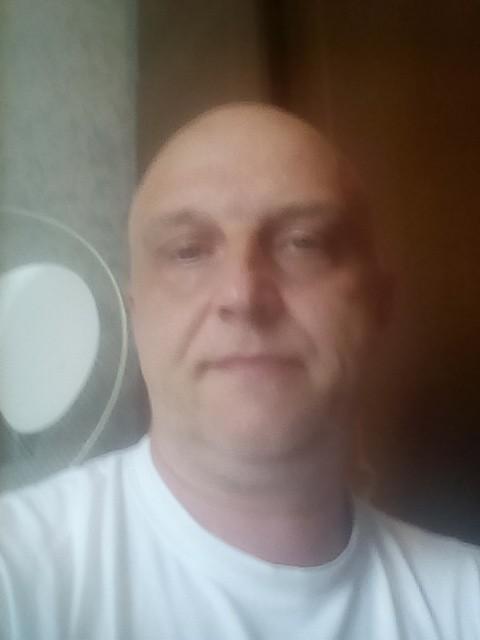 Алексей, Россия, Москва, 49 лет. Привет  меня. Завут алексей хочу познакомица для серезных отнащений люблю. Прирооду