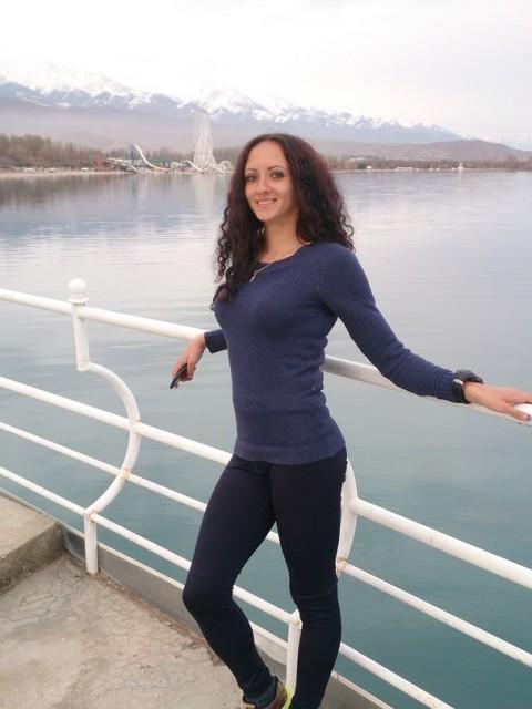 Ольга Заборская, Россия, Новосибирск, 27 лет. Хочу найти порядочного и старше себя.